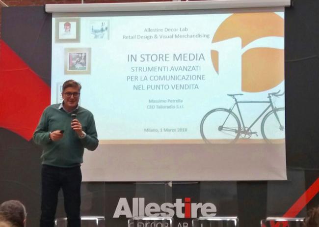 Al workshop dedicato a progettisti e architetti si è parlato di soluzioni per i punti vendita. A condurre la lezione, il nostro presidente Massimo Petrella.